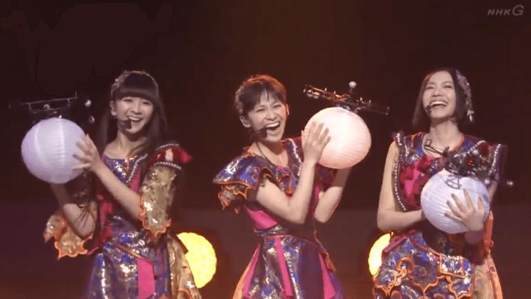 第65回NHK紅白歌合戦 パフュームのライブでドローン使用