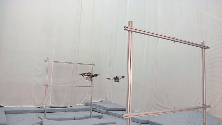 縄を編むマルチコプター